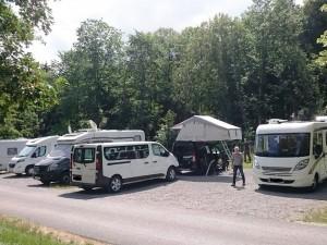 Das Team beim Campen