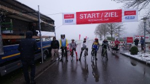 Das Feld am Start in Bodelshausen